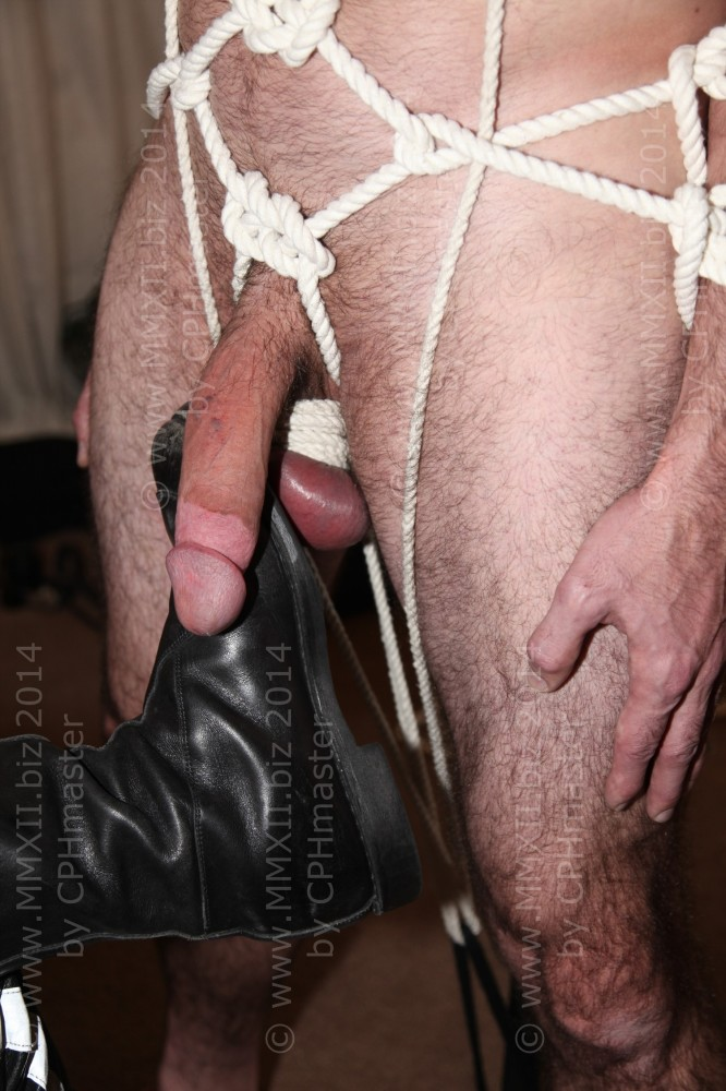 Balls play with boots 1